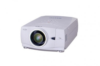 5500 lumens LCD Sanyo PLC-XP 57