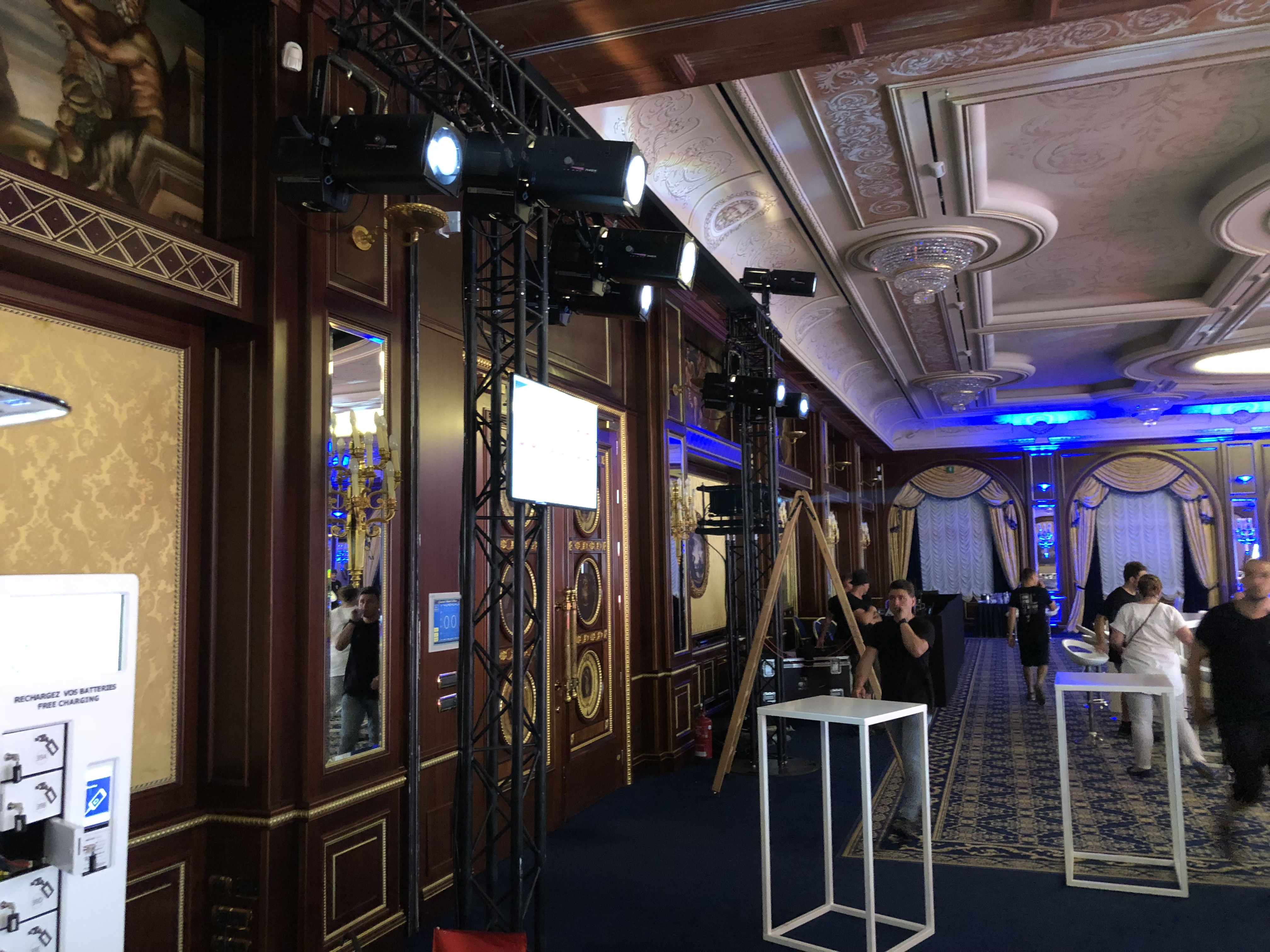 aucop-bnp paribas-event-italie-twobevents-son-video-deco-scene-lac majeur-Grand Hotel Dino