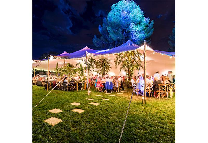 aucop-evenement-event-be-lounge-aix-en-provence-sonorisation-lumiere-tente-soiree-night