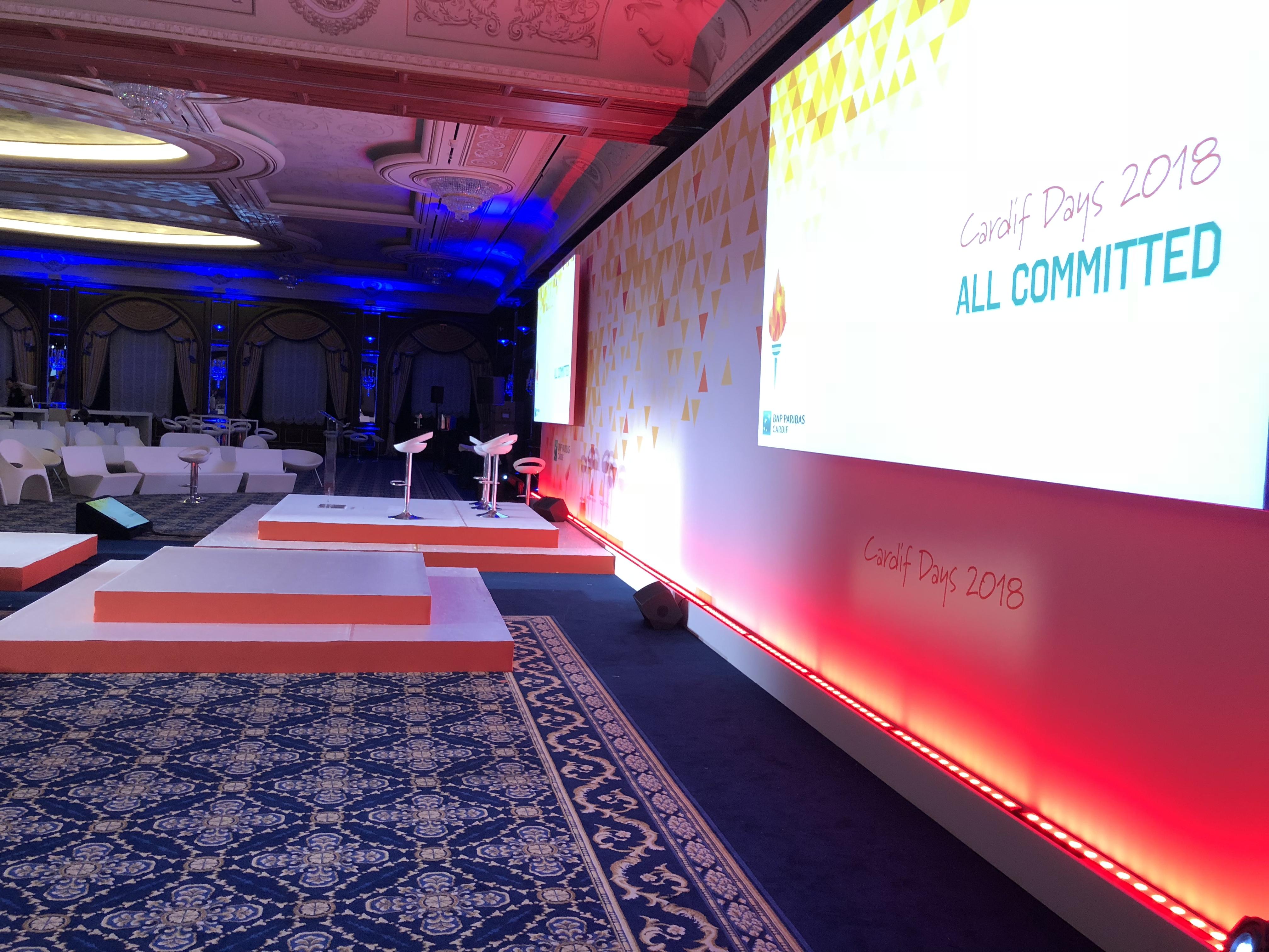 aucop-event-italie-twobevents-lac majeur-son-video-deco-scene-ecrans-audiovisuel-eclairage-ecrans-grand hotel dino-bnp paribas