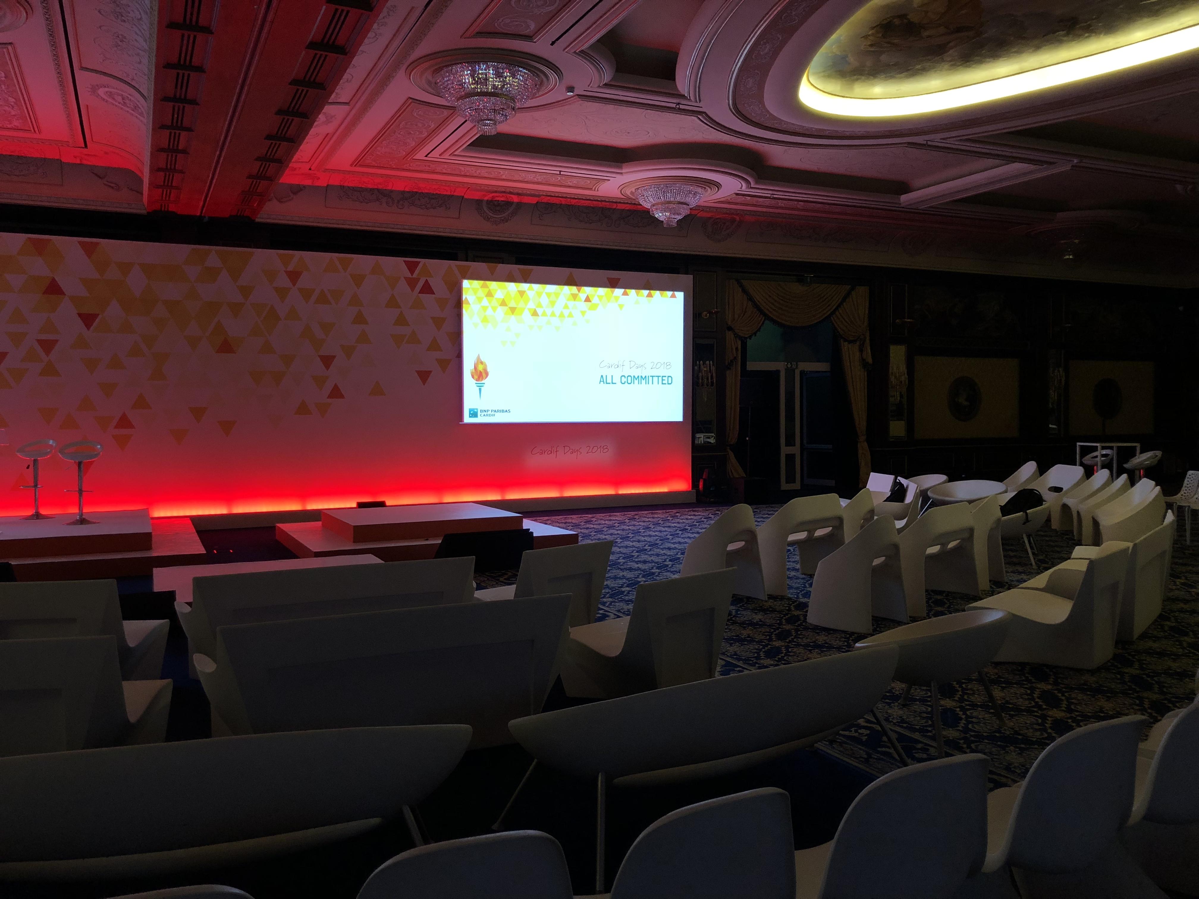 aucop-event-italie-twobevents-lac majeur-son-video-deco-scene-ecrans-audiovisuel-eclairage-ecrans-grand hotel dino-decoration-corporate--bnp paribas-evenement-evenementiel