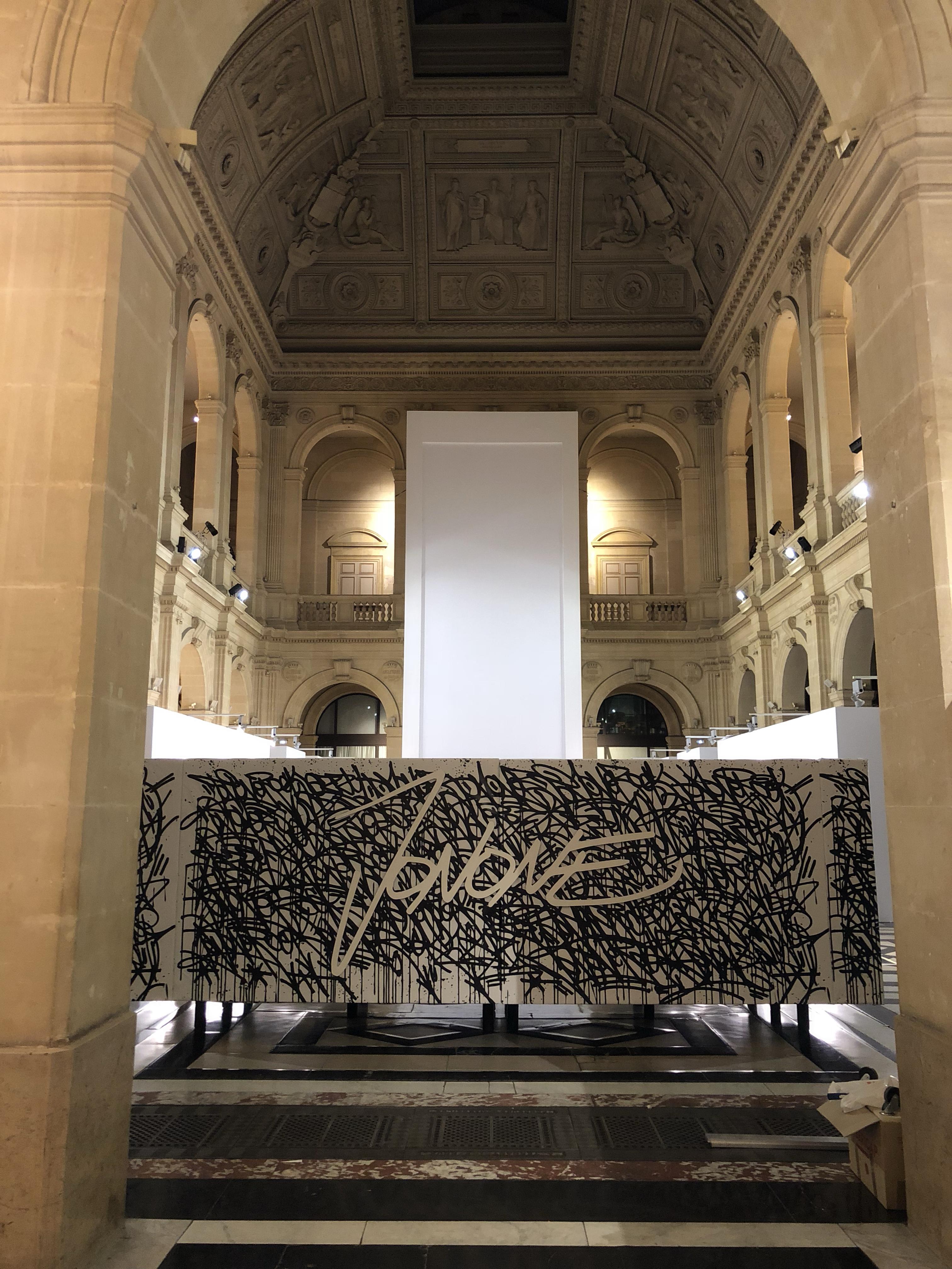 Canape-JonOne-Aucop-Event-Evenement-Marseille-Expo-Art-Abstracted-Love-evenementiel-palaisdelabourse-audiovisuel-peinture-oeuvres-galerie-david-pluskwa-contemporain-vernissage-deco-decoration