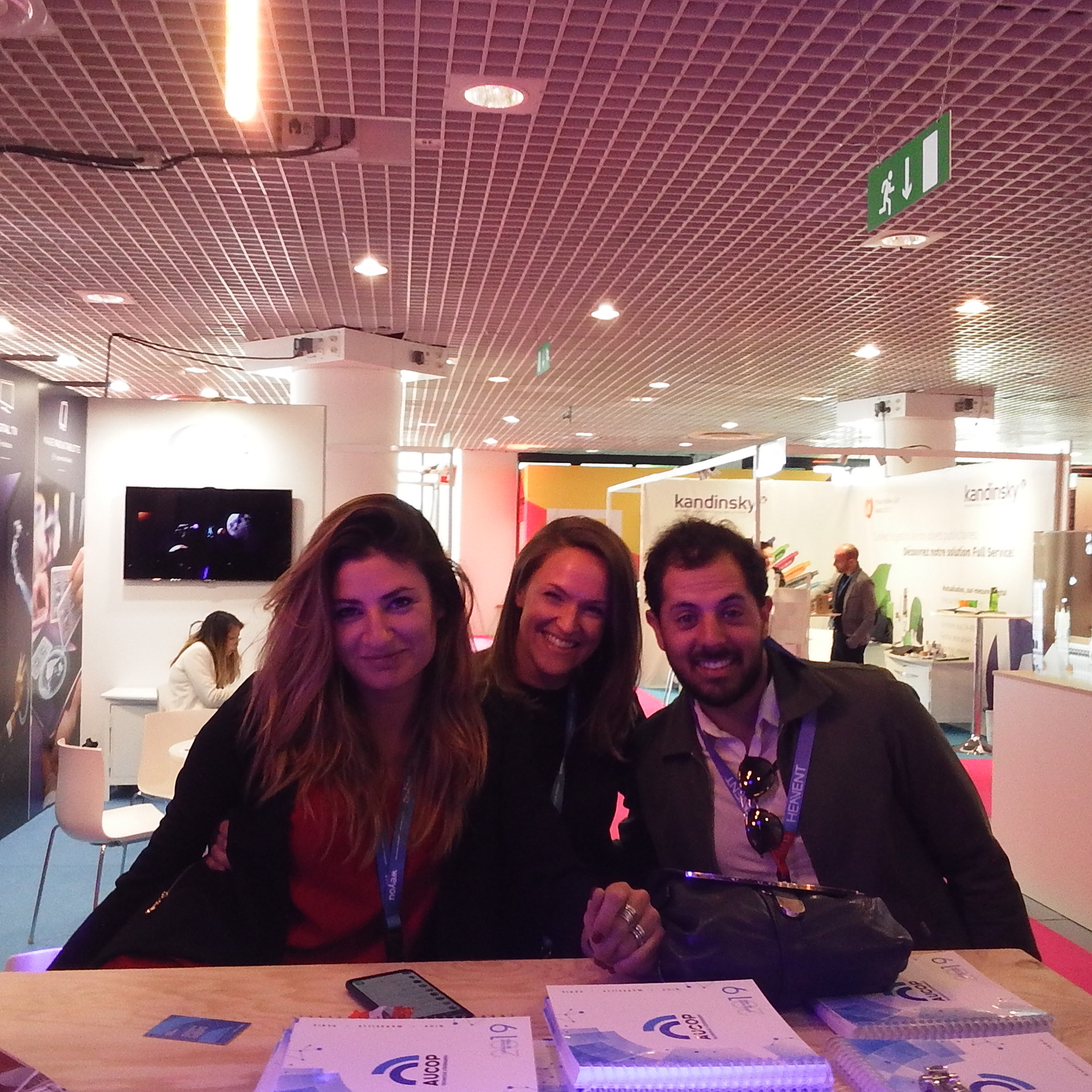 Heavent Meetings '19-aucop-event-evenementiel-location-audiovisuel-prestataire-technique d evement-nice-paris-marseille-cannes-sonorisation-eclairage-deco-video-