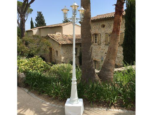 LAMPADAIRE AUTONOME BLANC--AUCOP-TROIS-LAMPES-BATTERIE-CARROS-WISSOUS-VITROLLES