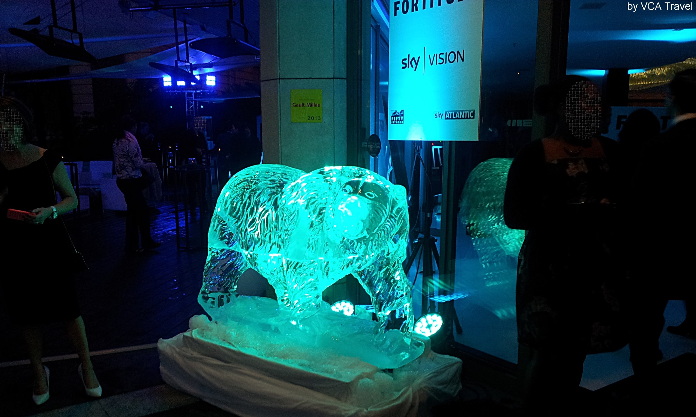 Fortitude Launch Party at MIPCOM - Sky Vision - projecteurs automatiques et leds - immertion - ambiance mêlée de glace et d'aurores boréales - evenement