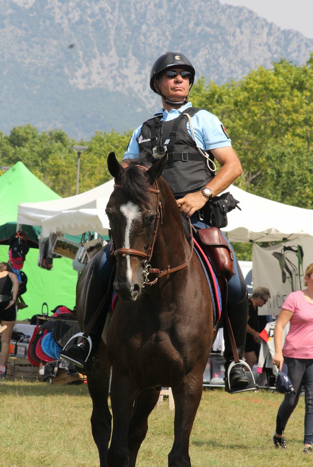 Fête du cheval à Levens-aucop-evenement-fete du cheval-levens-sonorisation-eclairage-location-materiel-audiovisuel-nice-paris-marseille-amsl equitation