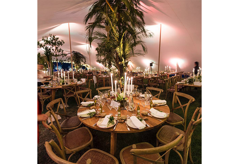 aucop-event-be-lounge-aix-en-provence-sonorisation-lumiere-tente-soiree-night-tables