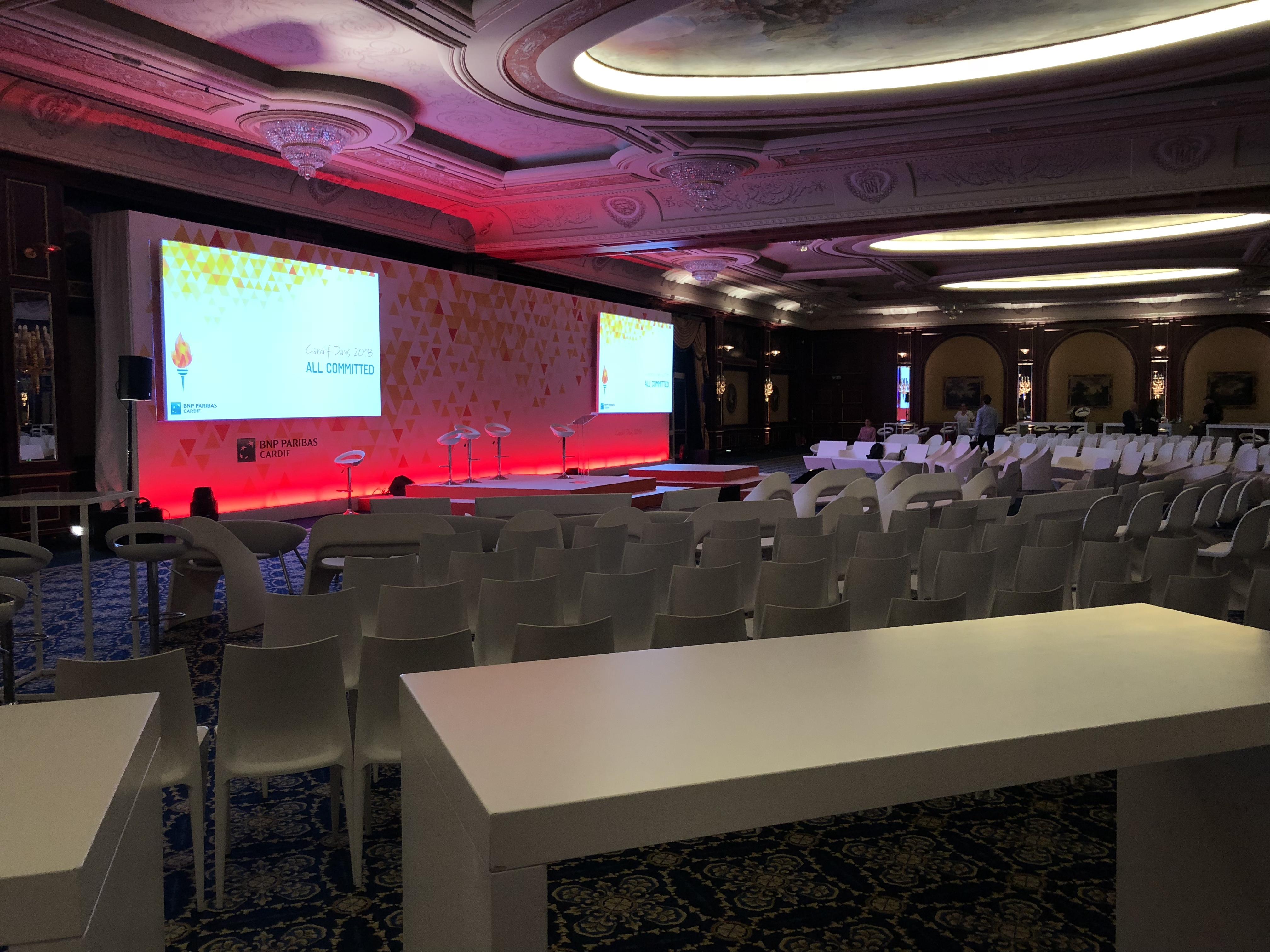aucop-event-italie-bnp-twobevents-lac majeur-son-video-deco-scene-ecrans-audiovisuel-eclairage-ecrans-grand hotel dino-decoration-corporate-evenement-evenementiel-bnp paribas