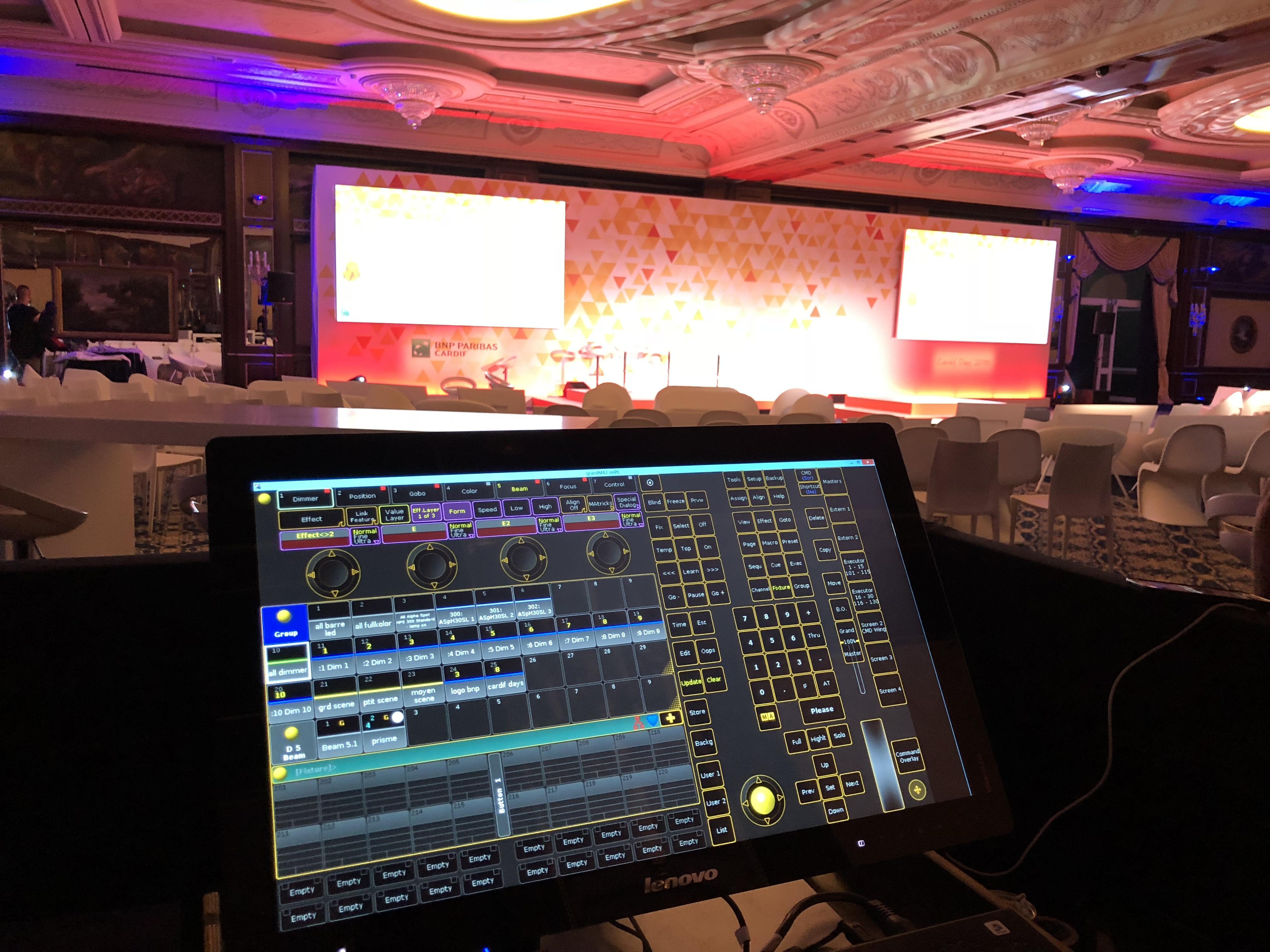 aucop-event-italie-twobevents-lac majeurs-on-video-deco-scene-ecrans-audiovisuel-Grand Hotel Dino-bnp paribas
