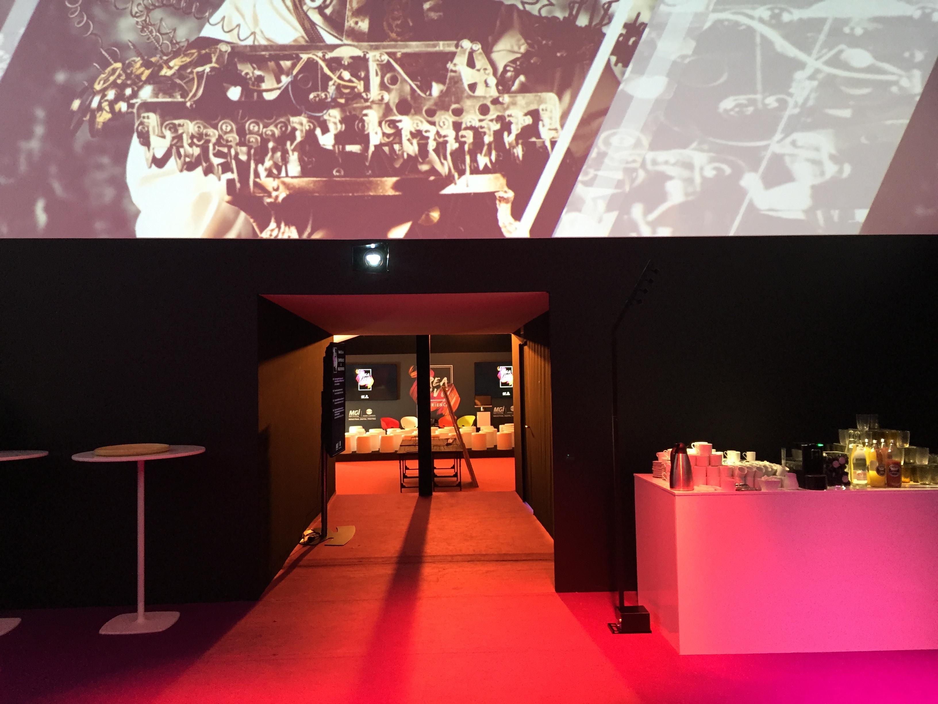 aucop-event-technique-audiovisuel-video-eclairage-sonorisation-deco-konica minolta-comsquare-projecteur-ecran 360-dais daccueil